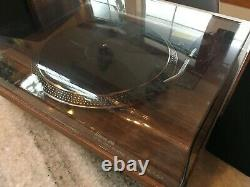 Toshiba TY-LP200 Turntable/Record Player System withSpeakers Built-in Amplifier